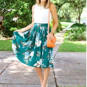 Eva Mendes Full Skirt with Tie